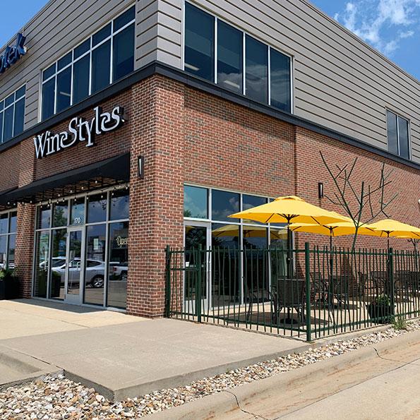 Cedar Rapids WineStyles patio